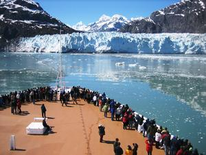 Cruise ship passengers viewing Margerie Glacier.